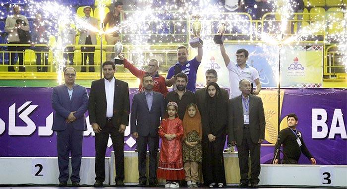 تبریک بانک پاسارگاد به تیم ملی کشتی فرنگی جام تختی